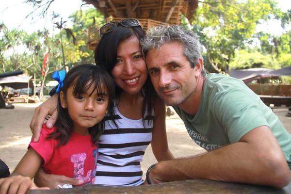 Mika la pop star du canyoning sur scène à Bali En famille