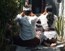 Mystère, esprits et boule de gomme à Kubu Darma