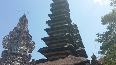 Découvrir Bali autrement : escalade du volcan Batukaru. Pura Luhur