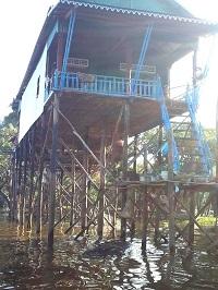Tonlé Sap le lac du Mékong classé par l'UNESCO. Habitation