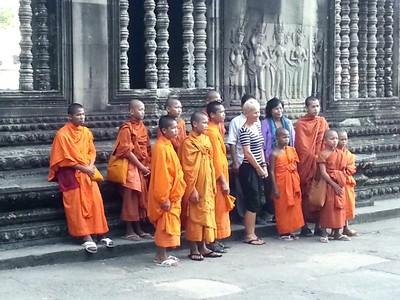 Empire Khmer : magie des temples d'Angkor au Cambodge. Moines bouddhistes