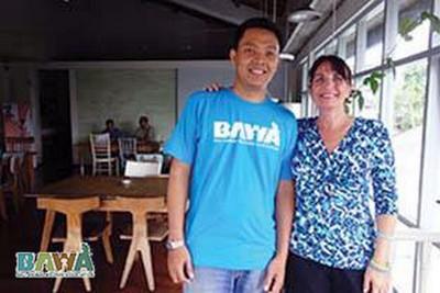 Janice, une grosse dose d'héroïne pour les animaux de Bali. Janice et staff bawa