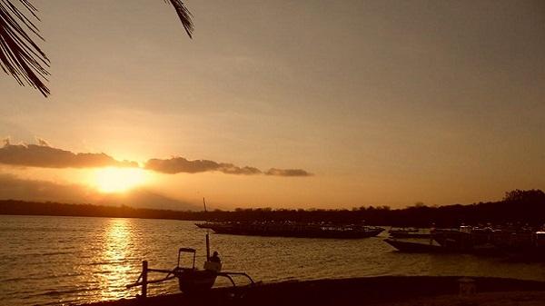 Bali plage : le nord, Menjangan, Jungle Beach, Lovina. Mimpi coucher de soleil