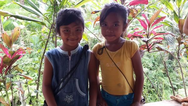 Rizière et cocotier : le grenier balinais. Les enfants