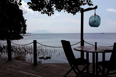 Bali plage : le nord, Menjangan, Jungle Beach, Lovina. Pantai restaurant