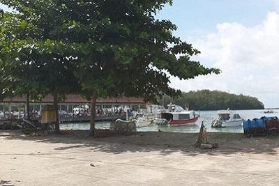 Bali plage : l'est, Padangbai, Candidasa, Amed, Tulamben. Padangbai embarcadère