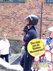 Torture et barbarie à Pampelune : corrida basta! Policier