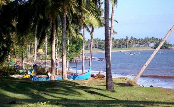 Bali plage : l'ouest, Negara, Medewi, Gilimanuk. Rening Bay