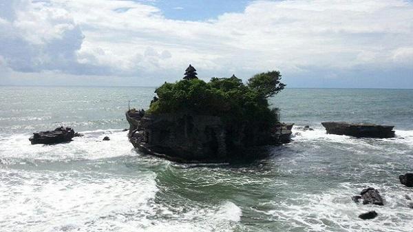 Bali plage : le sud, Kuta, Seminyak, Tanah Lot, Sanur. Tanah Lot