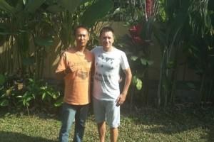 Widhi, interview d'un hindou dans la ville. Thierry et Widhi