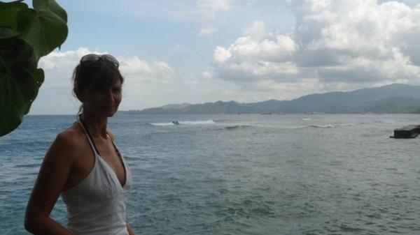 Bali plage : l'est, Padangbai, Candidasa, Amed, Tulamben. Valérie sur la côte est