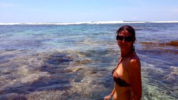 Bali plage : la péninsule, Jimbaran, Bukit, Nusa Dua. Valérie à Uluwatu