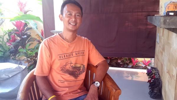 Widhi, interview d'un hindou dans la ville. Portrait de Whidi