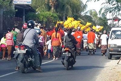 Vivre à Bali : le travail, le logement, la santé, l'argent... La route