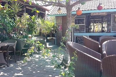 Bons plans à Bali : le warung, brasserie façon asiatique. Warung in salt