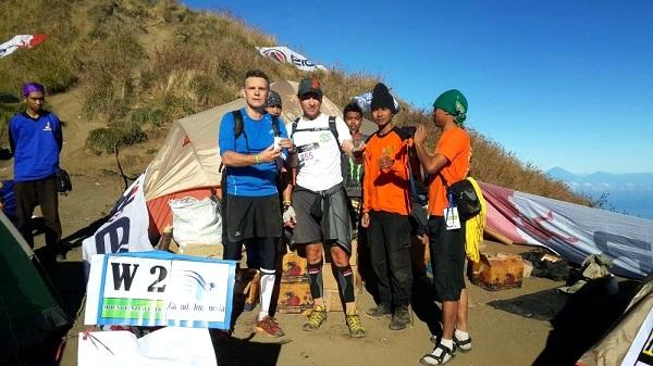 Mont Rinjani, compétition ultra trail 2013 à Lombok Camp de base au sommet