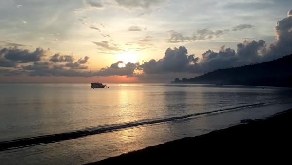 Amed, un coin de paradis sur l'île des Dieux Rivière Les 1001 nuits sunset