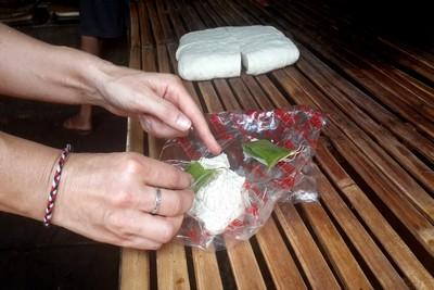 Production de tofou, artisanal, à Bali : résultat d'enquête. Dégustation
