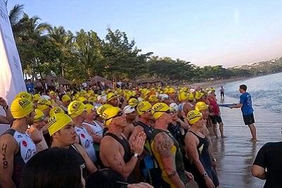 Triathlon sprint, compétition du calendrier 2013 à Bali Indonésie Epreuve de natation