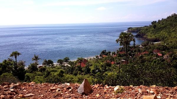 Amed, un coin de paradis sur l'île des Dieux La côte au sud d'Amed