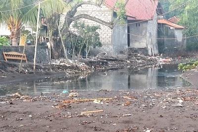 Amed, un coin de paradis sur l'île des Dieux Pollution à Amed