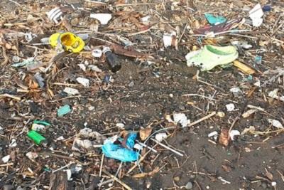 Amed, un coin de paradis sur l'île des Dieux Pollution à Amed plage