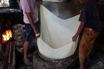 Production de tofou, artisanal, à Bali : résultat d'enquête. Premiere filtration
