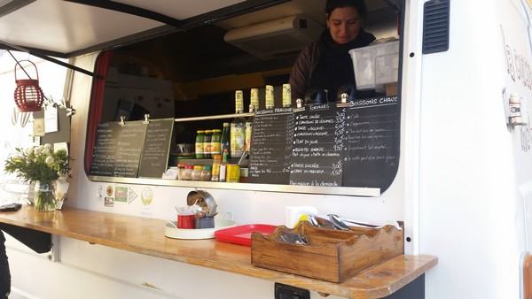 Alex et son Food Truck végétarien La cuisine mobile à Apt