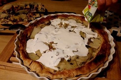 Cuisine végétarienne : recette vegan du pâté aux pommes de terre. Crème végétale