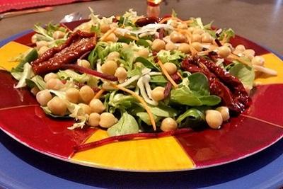 10 recettes de pois chiche sucré-salé. En salade