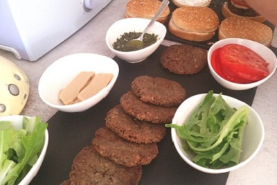 Recette de burger vegan made in USA par Chloe Coscarelli. Préparation