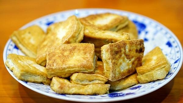 A la rencontre de Quentin webmaster du blog Merci Vegan. Le tofu