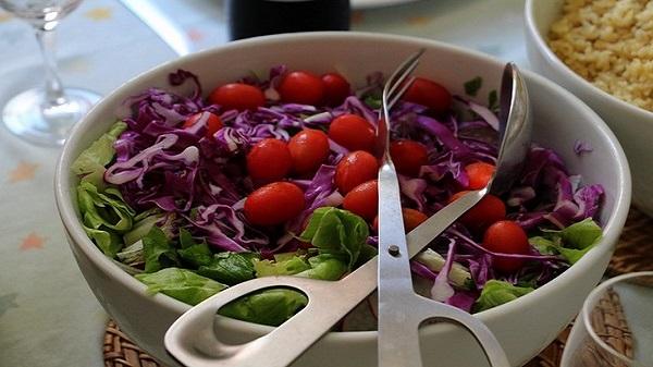 Salade composée au restaurant